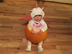 baby-dressed-like-pumpkin